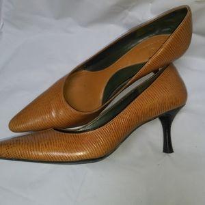 Cole Has reptile skin pumps shoes Size 8.5